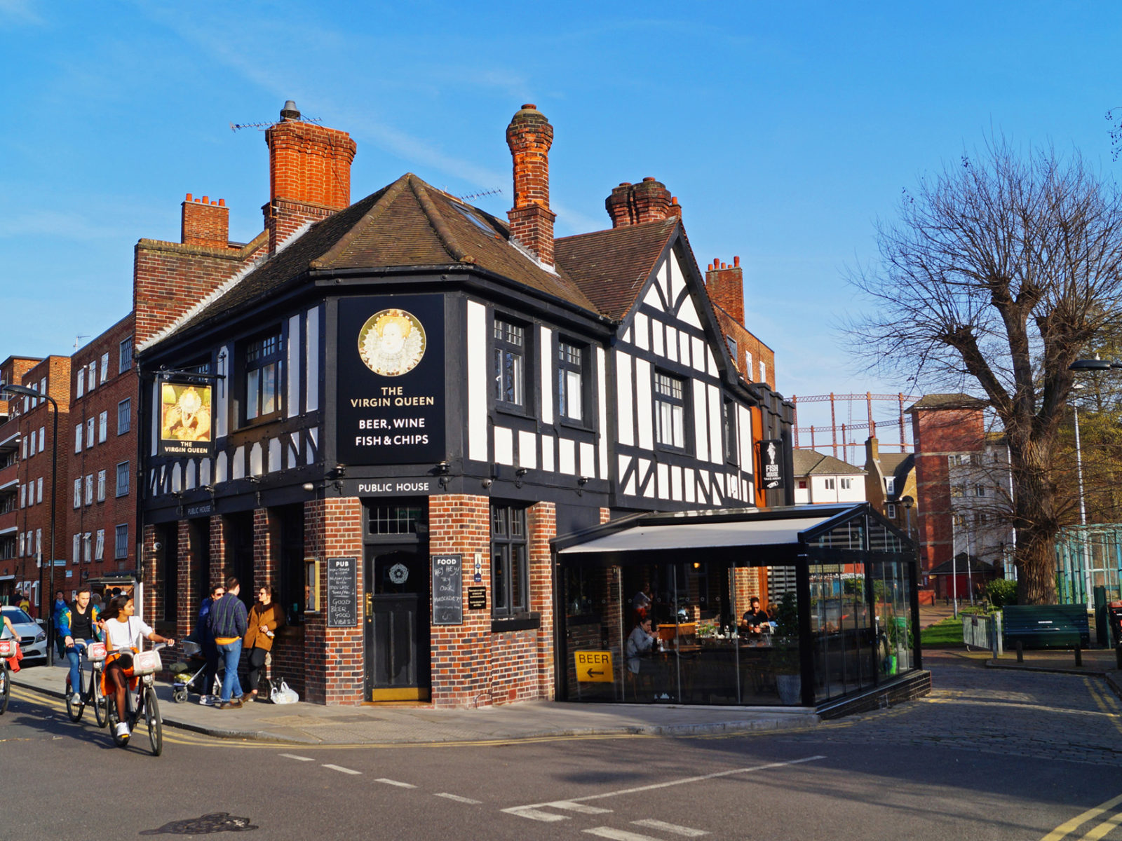 Virgin Queen Pub on a beautiful sunny day
